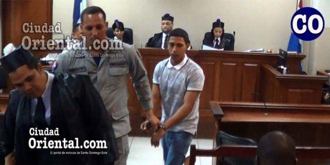 Luis Miguel Albares Ciriaco (a) Coqui, en custodia policial.