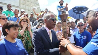 Photo of La Llama de la Esperanza llega al Faro a Colón para recorrido final este domingo