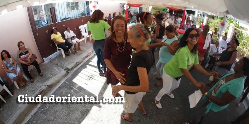 La regidora Edita Sandoval celebra fiesta-almuerzo a decenas de de adultos mayores + Vídeo