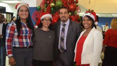 Photo of Fiscalía de Santo Domingo Este comparte brindis navideño con usuarios