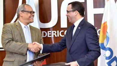 Photo of Firmado acuerdo pasaría colegios evangélicos al sector público