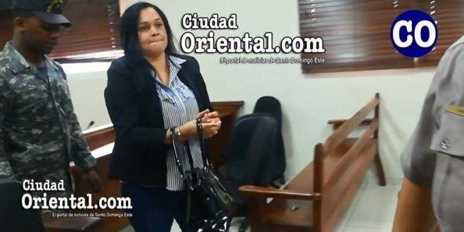 Rosanna Altagracia Tapia, fue arrestada en la Sala de Audiencias.