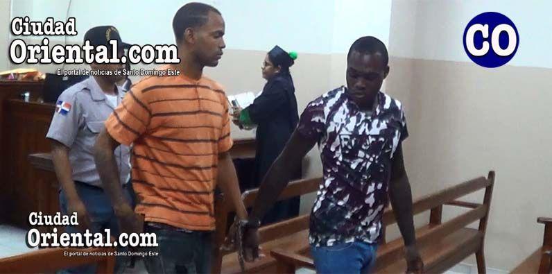 Imponen condenas de 20 años de prisión a dos hombres mataron motoconchista en Los Mina