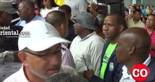 Un férreo cordó de seguridad alrededor de Alfredo Martínez