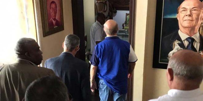 Manuel Jiménez y José Sánchez ingresan al despacho de Hipólito Mejía