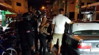 Photo of PN apresa 29 individuos en Los Tres Brazos, uno de ellos con 7 denuncias