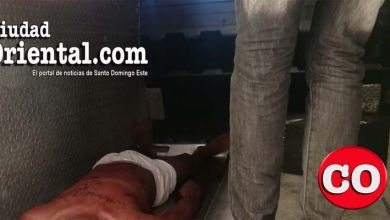 Cadáver del presunto asaltante en la morgue del Hospital Dr. Darío Contreras