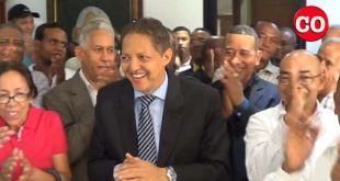 Perfecto Acosta es aplaudido por sus seguidores
