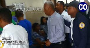 El capitán retirado del ERD, Manuel Roa Castillo, trasladado por custodios.