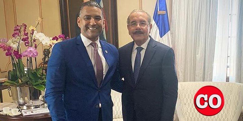 Luis Alberto Tejeda (i)y Danilo Medina