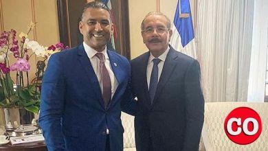 Photo of El presidente Danilo Medina recibe a Luis Alberto Tejeda en el Palacio Nacional