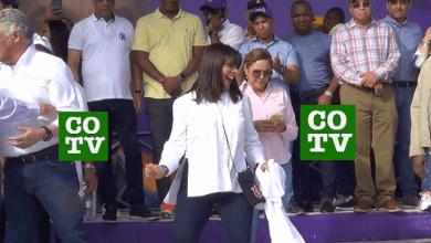 Photo of Angelita, la esposa del canciller Miguel Vargas, bailando dembow en tarima + Vídeo