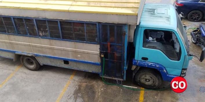 Camión-cárcel