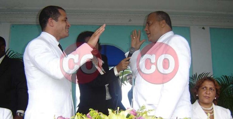 Juan De los Santos (i) y Domingo Batista, 16 de agosto del año 2006, en el Club para Oficiales de la M. de G