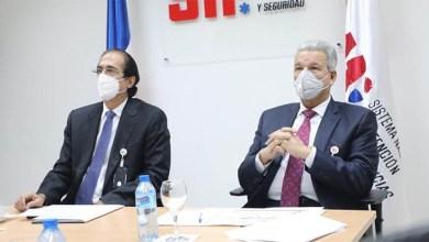 Photo of Gustavo Montalvo muestra el Sistema 9-1-1 al ministro de la presidencia designado, Lisandro Macarrulla