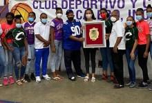 Photo of Club Calero reconoce a la voleibolista Niverka Marte