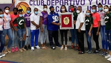 Photo of Club Calero reconoce a la voleibolista Niverka Marte