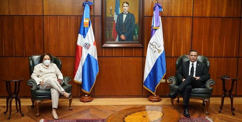 La procuradora general de la República y el presidente de la Suprema Corte de Justicia.