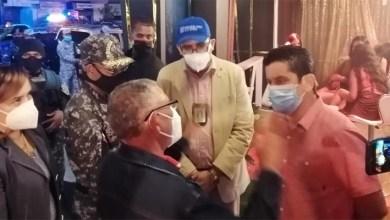 Photo of Autoridades sanitarias advierten a al menos ocho  negocios de la Av. Venezuela por violar distanciamiento social