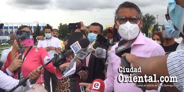 Carlos Peña, líder de los convocantes de la protesta en la Plaza de la Bandera contra los anunciados impuestos