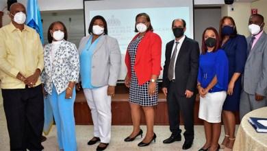 Photo of Directora Regional 10 juramenta 7 nuevos directores distritales