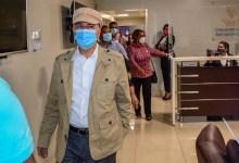 """Photo of Manuel Jiménez, como """"Juanita"""", volvió desde EE.UU pero con una maleta cargada de promesas, igual que en la campaña"""