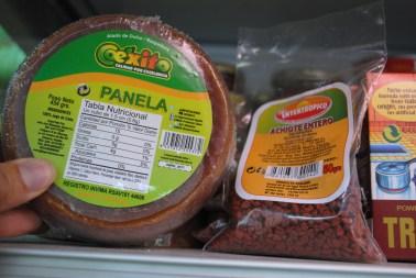 ¡Sorpresa! Encontrar dulce de panela es como estar en un sueño. Llega de Venezuela. Foto: M.Velásquez