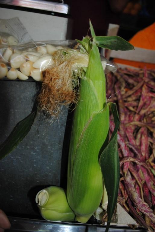 El maiz y los frijoles (al fondo), una mezcla que se encuentra en toda Latinoamérica. Foto: M.. Velásquez.