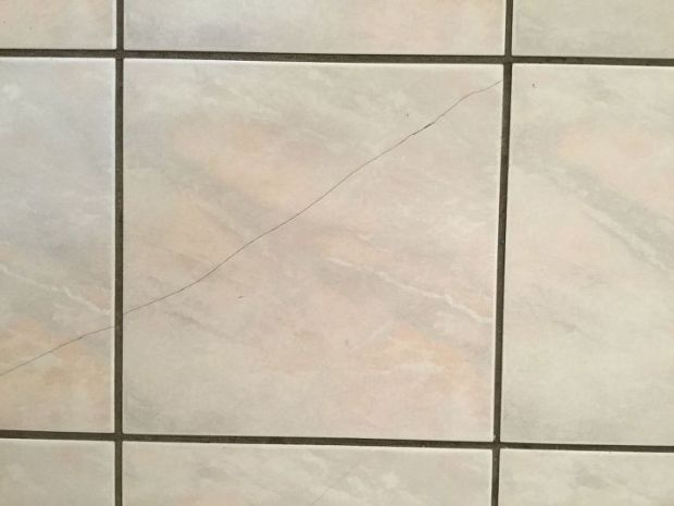 Crack in Vitrified Tiles