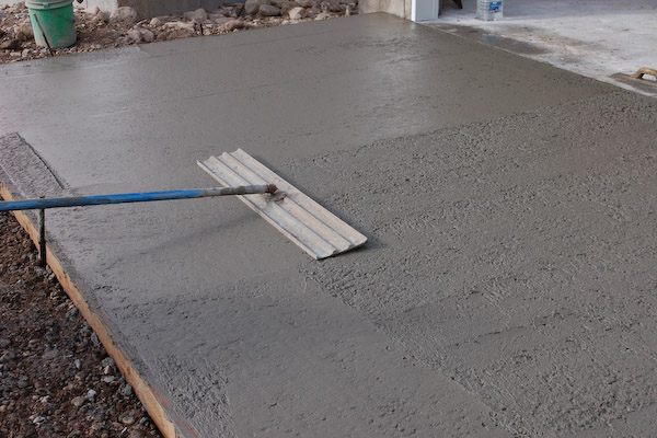 how to get latex paint off of concrete