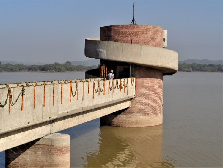 Pump house structure example Pump house in Chandigarh lake