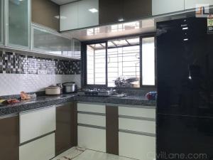 Kitchen window arrangement