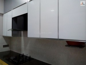 Backpainted Glass Kitchen Overhead Storage White