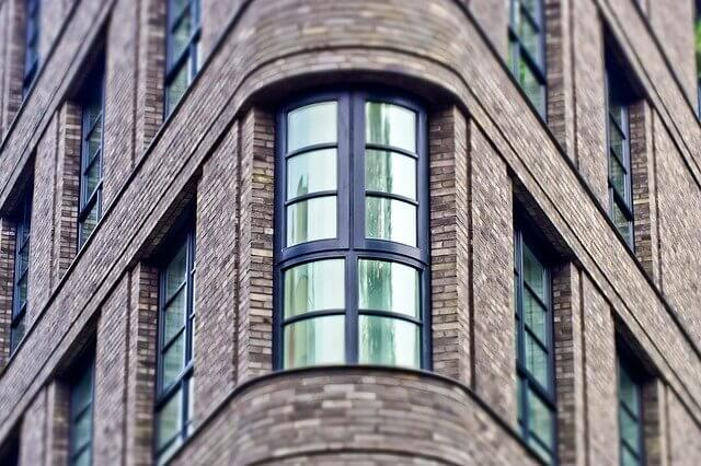 10 Advantages of Glass Block Masonry