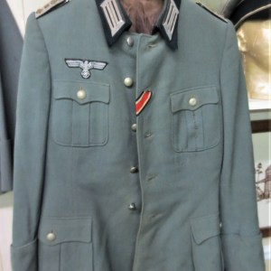 Uniforms & Headgear Archives - Battleground Antiques