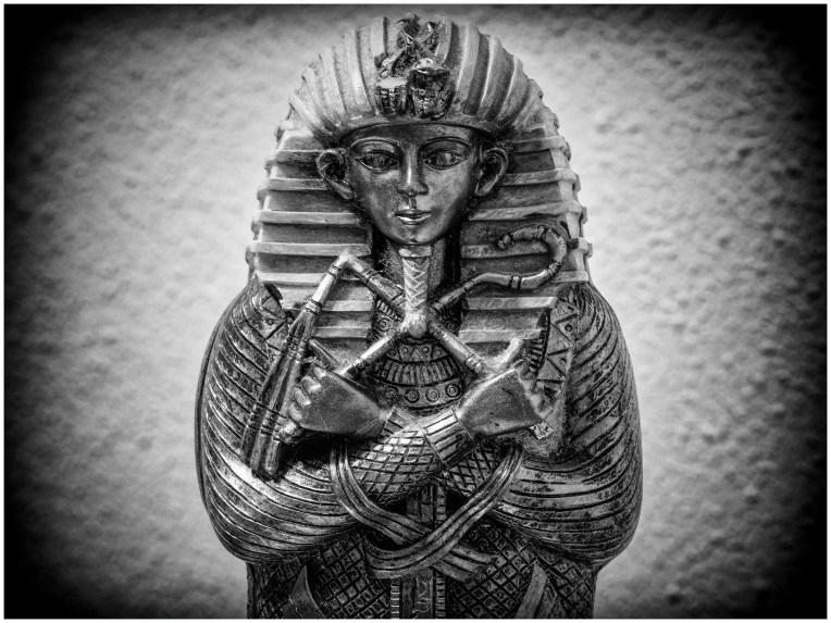 Tutankhamun Sarcophagus 1