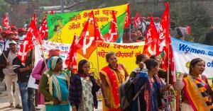 Distressed Farmers throng Delhi streets