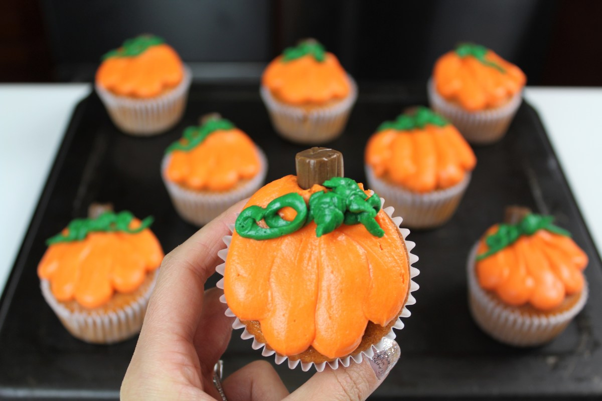 Chelsweets Halloween-inspired Pumpkin Cupcakes Chelsey White