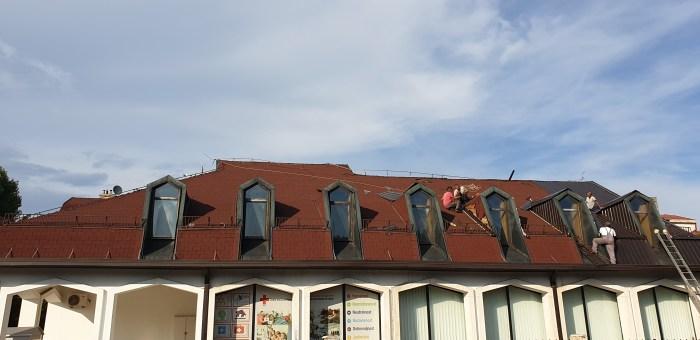 Novi krovni pokrivač na objektu Crvenog krsta Cetinje