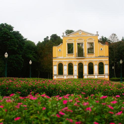 Conheça o Bosque Alemão em Curitiba