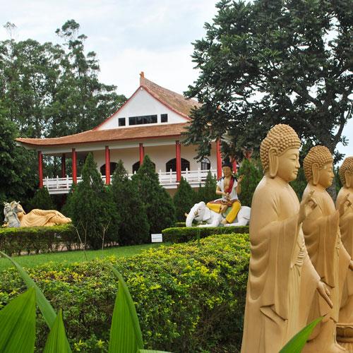 Visita ao Templo Budista de Foz do Iguaçu