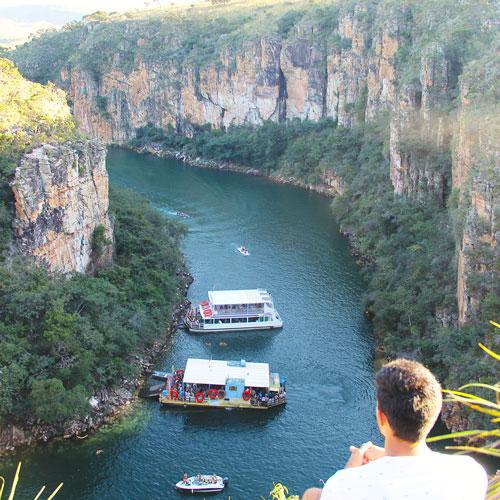 Conheça o Mirante do Canyon de Furnas em Capitólio