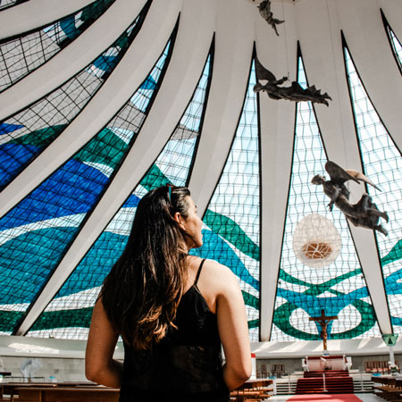 Conheça a Catedral Metropolitana de Brasília