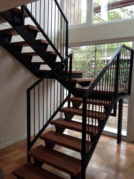 Foto Escalera Metlica y Gradas de Madera de Cvg Spa
