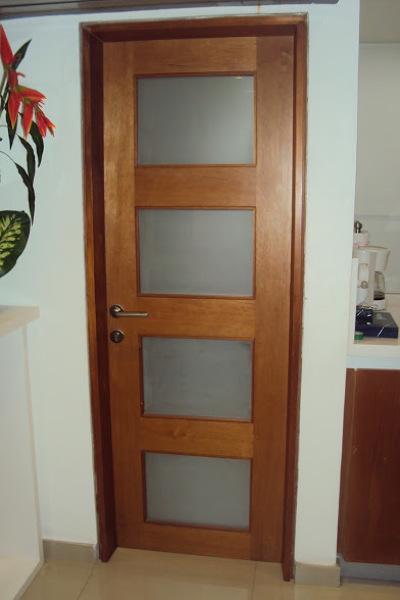 Foto Puertas para Bao Divisor Traslcido de Trabajador