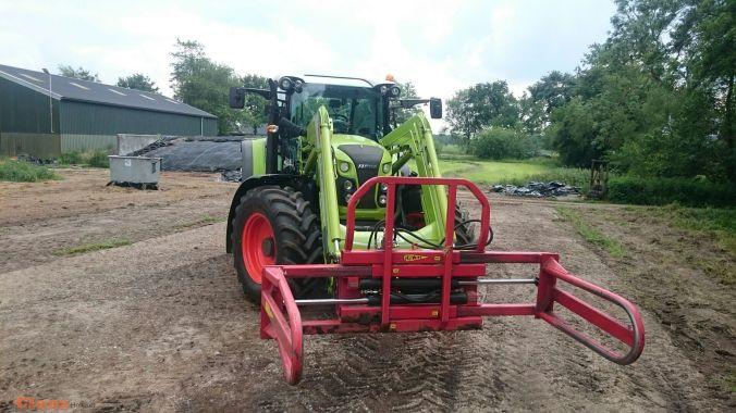 CLAAS ARION 440 CIS door, Dijk Mechanisatie.