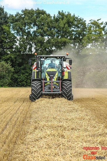 Claas Quadrant 5300 op demotour in België. (Europe tour)