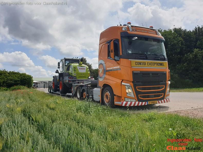 Claas machines op transport door van Der Vlist Twente deel 13.