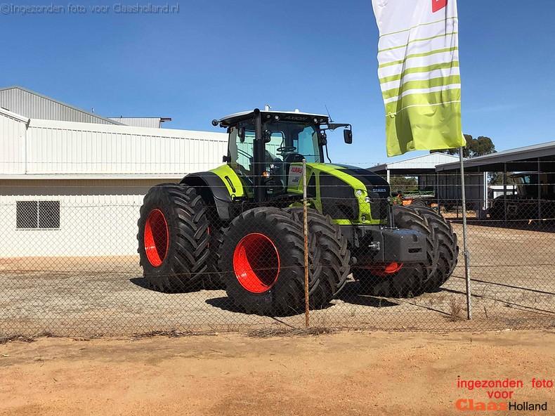 Claas Axion 950 op dubbele wielen in Australië. (englisch)