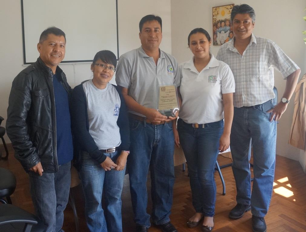 Clac Presents Award To Winners Of The Photography Contest On Family
